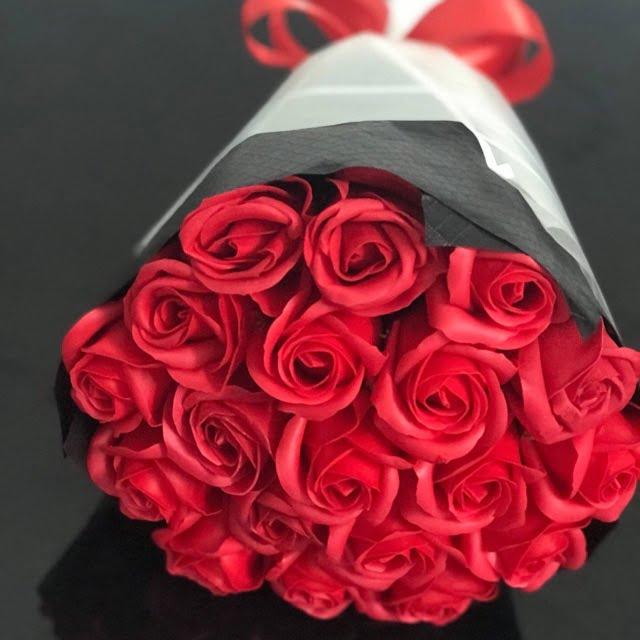 cách bó hoa hồng đơn giản