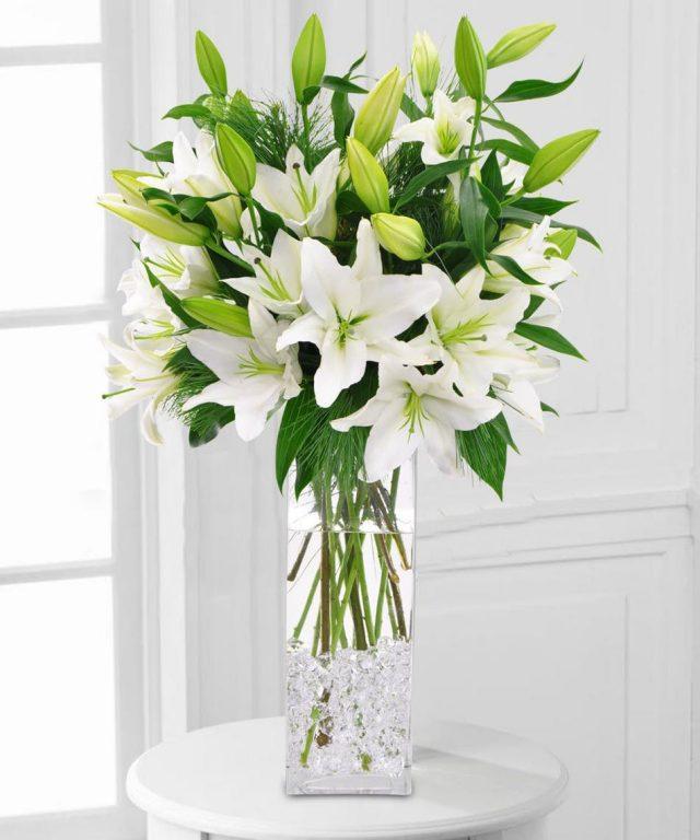 Cách cắm hoa huệ để bàn thờ đẹp vào ngày tết