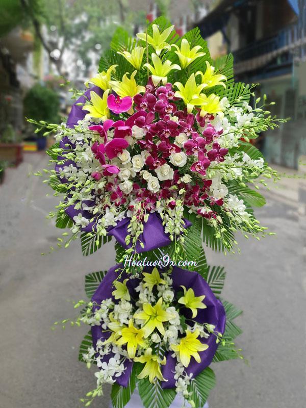 Mẫu hoa tang lễ màu tím