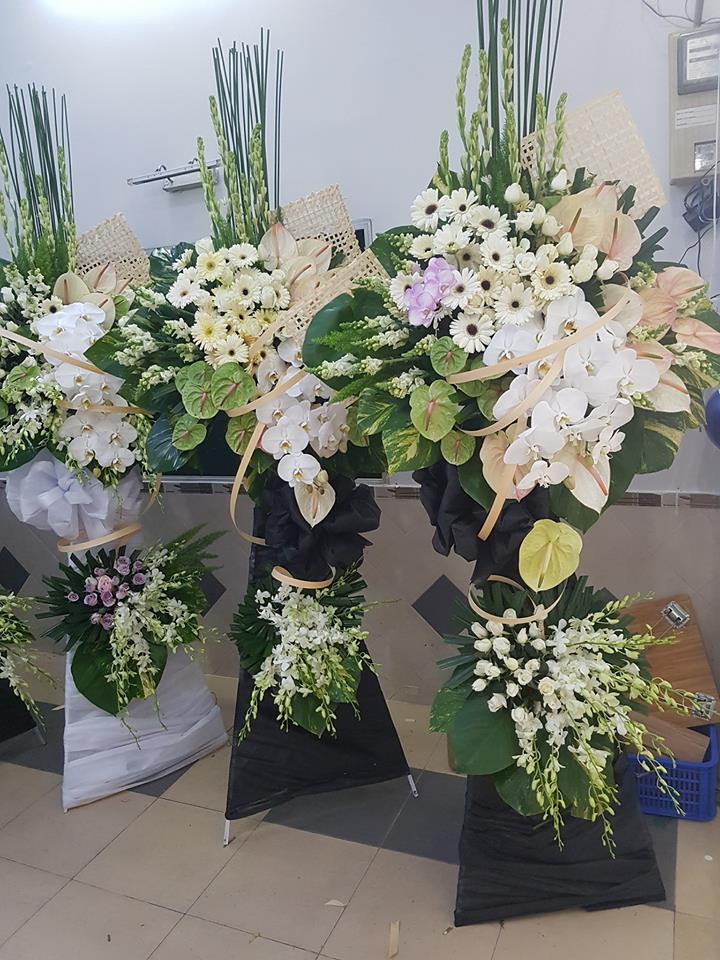 Gởi hoa tang lễ đến đúng thời điểm