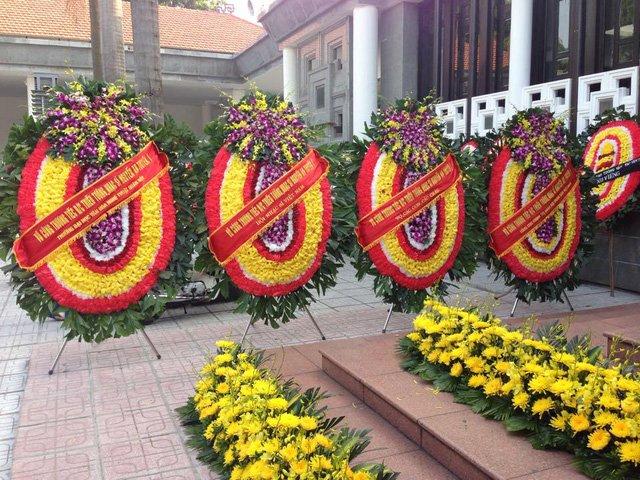 Hoa tang lễ truyền thống
