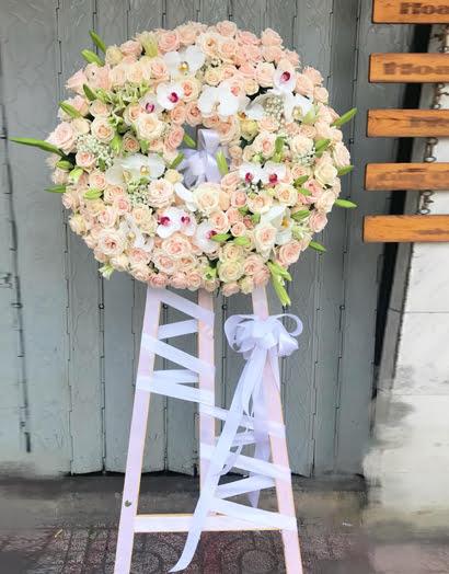 Mẹo giữ vòng hoa tang lễ luôn tươi