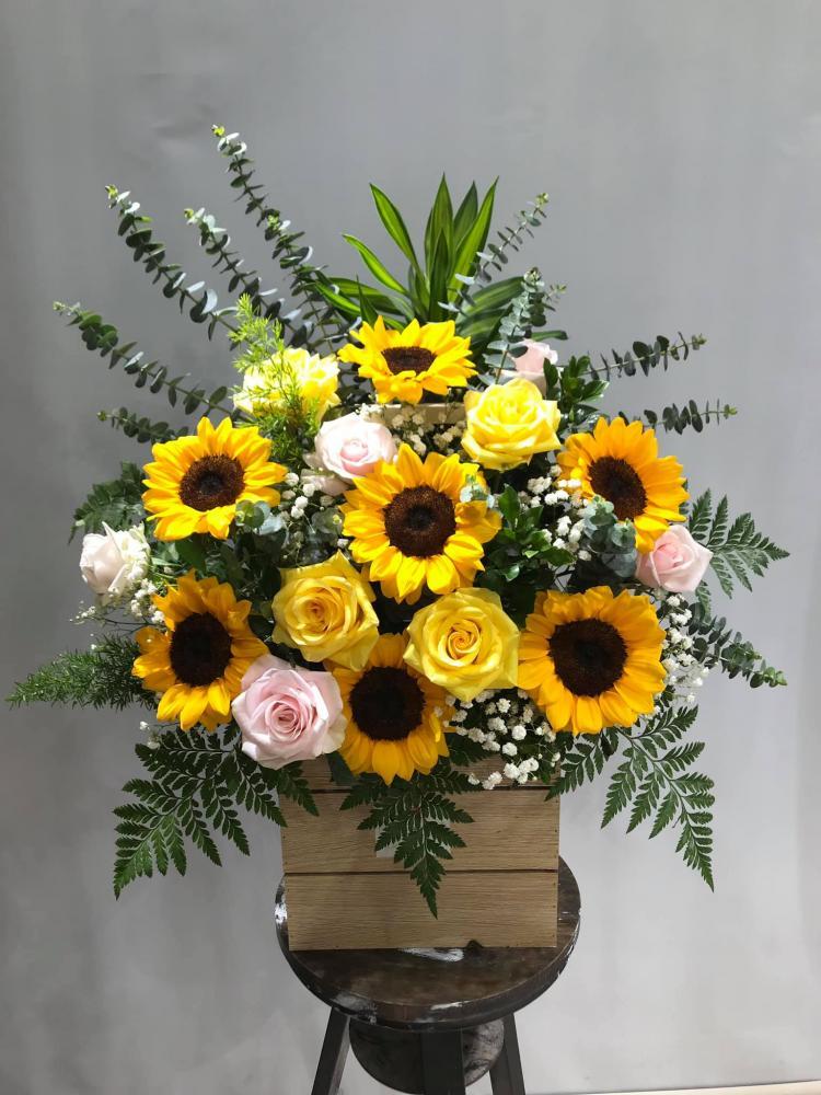 Hoa hướng dương chúc mừng khai trương - Hoa tươi 9x