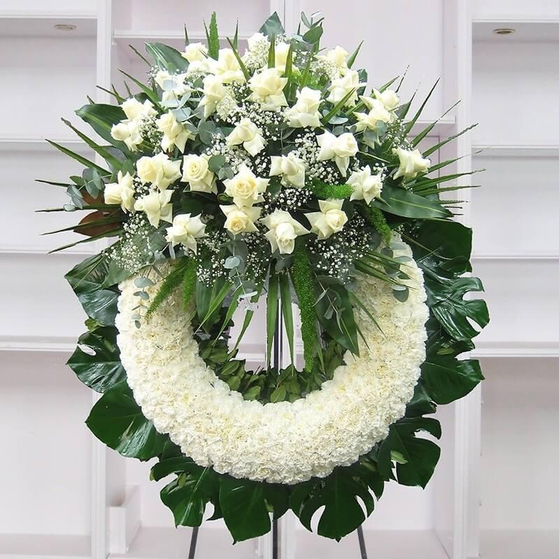 dịch vụ tổ chức tang lễ trọn vẹn bao gồm hoa tang lễ; nghi thức tôn giáo