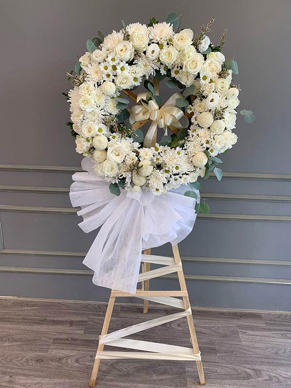 Vòng hoa đám ma đẹp