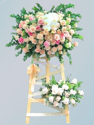Vòng hoa chúc mừng sang trọng