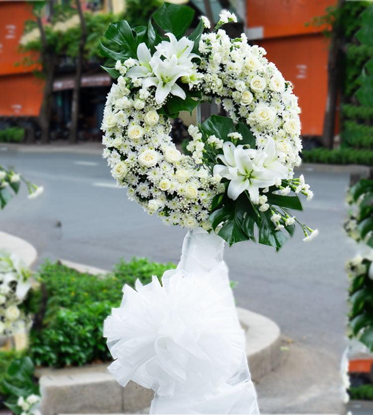 Mua vòng hoa tang lễ đẹp