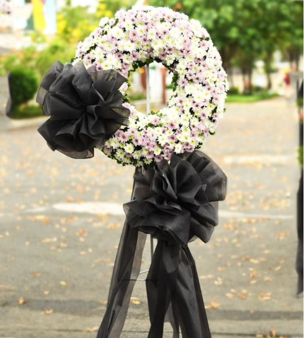 Chọn loài hoa tang lễ