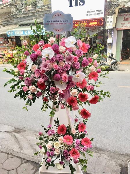 Đặt hoa chúc mừng khai trương rực rỡ; đa sắc màu