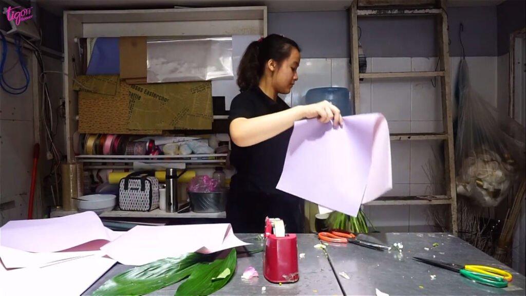 Sử dụng giấy gói màu nhẹ nhàng