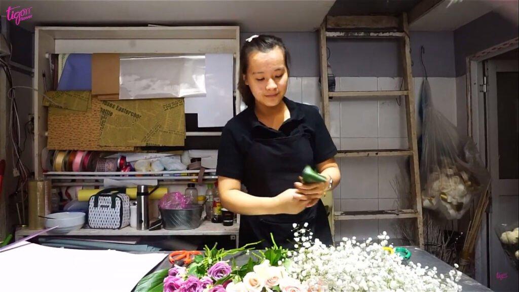 Hướng dẫn tự tay làm bó hoa tặng bạn gái đẹp nhất