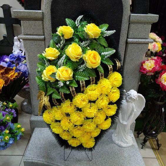 Mẫu hoa đám tang đẹp màu vàng