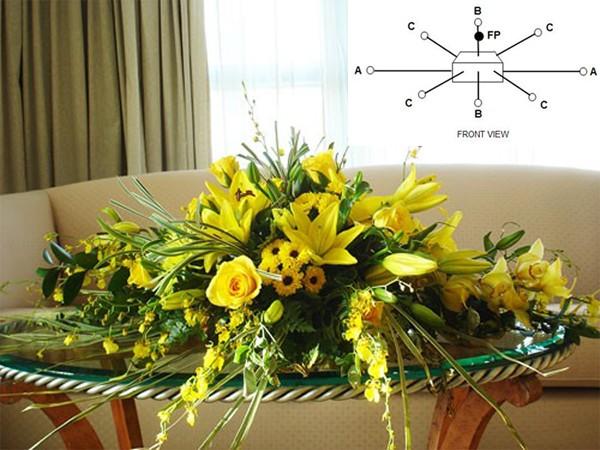 Chi tiết 5 cách cắm hoa bàn tiệc