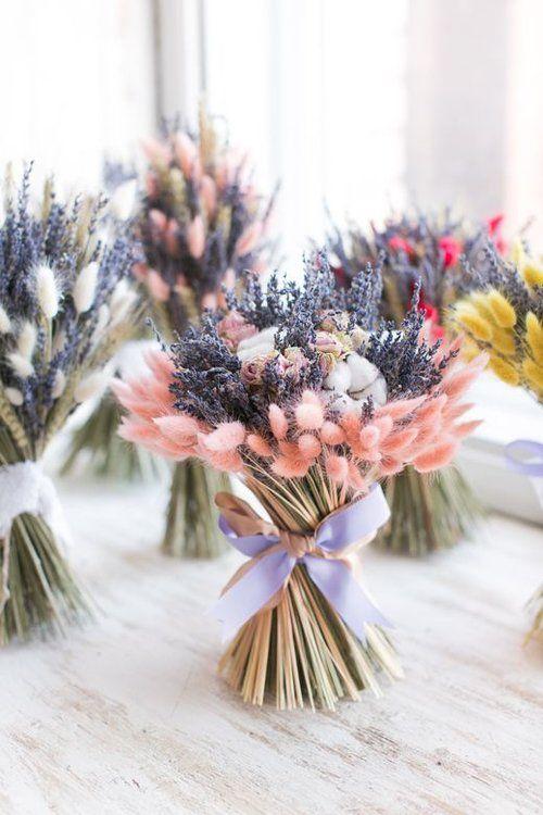 Tặng hoa sinh nhật cho vợ nên tặng hoa gì?