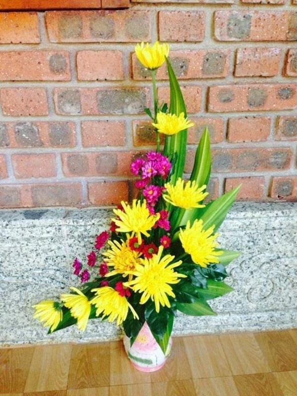 Dựng lan mokara và lan tím để cắm hoa ngày rằm