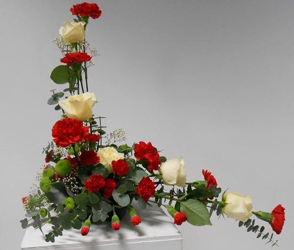 Cách cắm hoa hạnh phúc