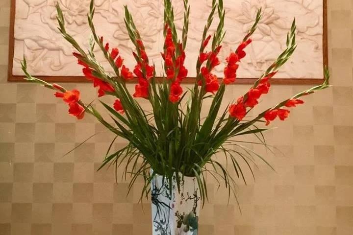 Kiểu cắm hoa lay ơn múa Phật Bà nghìn tay trưng bày ở đâu?