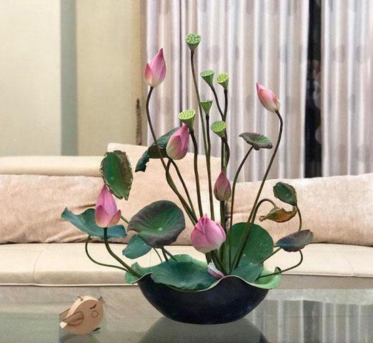 Cách cắm hoa sen tươi lâu và đẹp nhất hiện nay