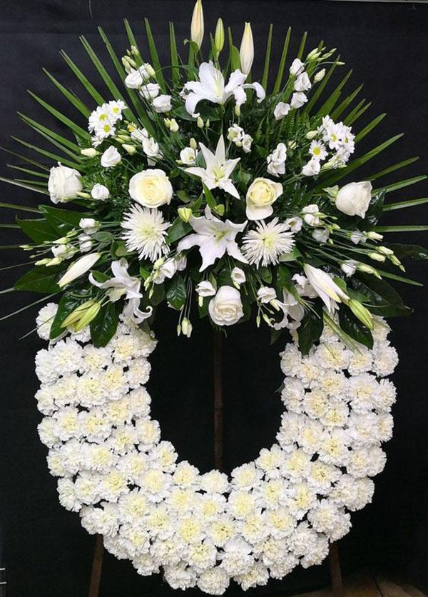 Vòng hoa viếng tang lễ cúc trắng tinh khôi