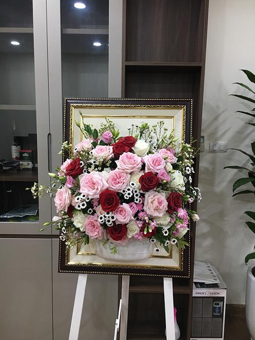 làm giá tranh hoa