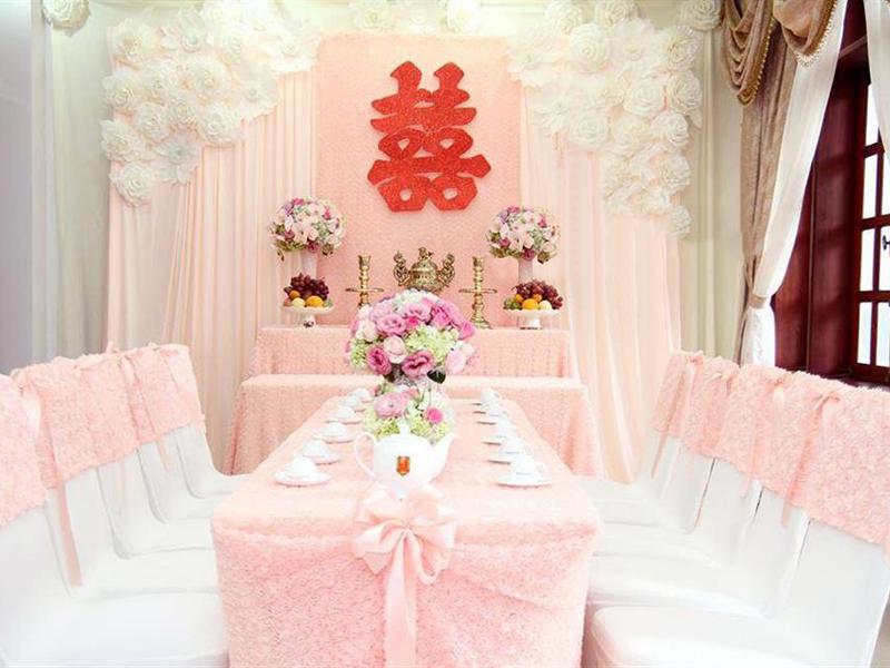 Trang trí bàn thờ gia tiên ngày cưới của miền Trung
