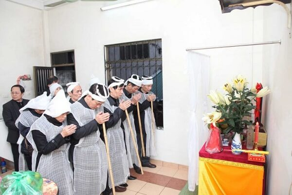 Vái - Cách vái lạy khi đi viếng đám tang