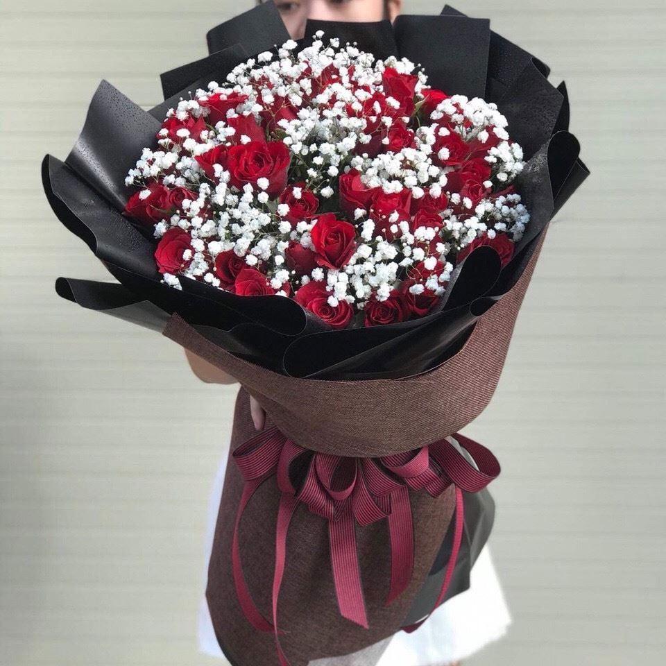Làm chân hoa giúp hoa tươi lâu