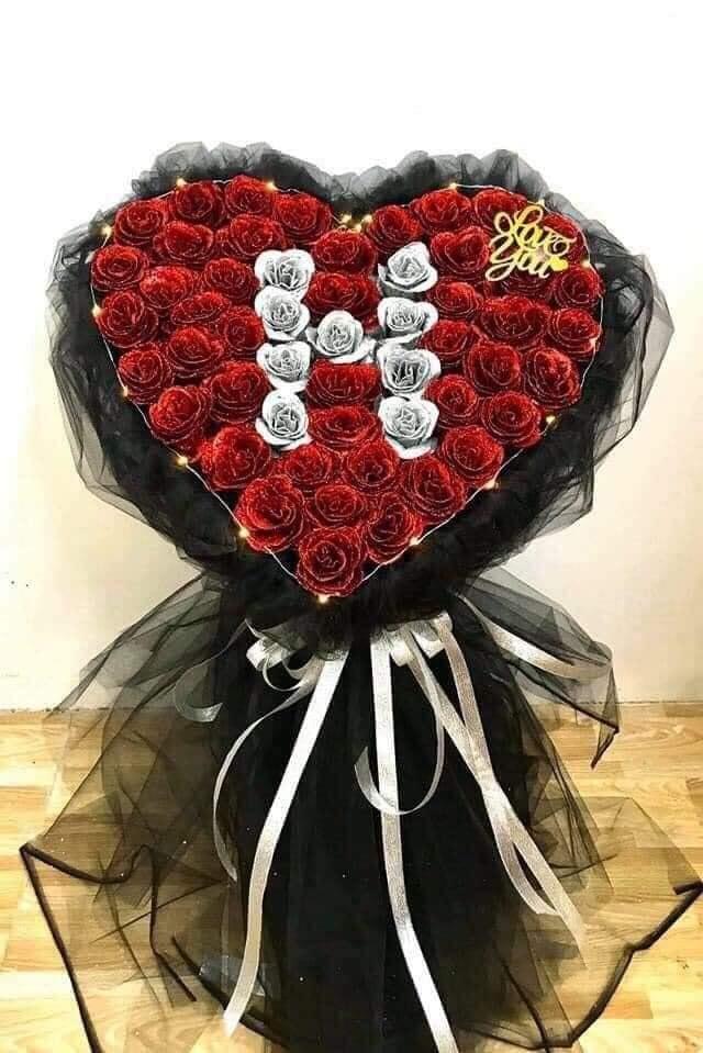 Điều chỉnh và trang trí để làm hoa ruy băng kim tuyến
