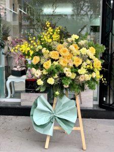 Cách nào để cắm một kệ hoa chúc mừng khai trương dễ dàng nhất