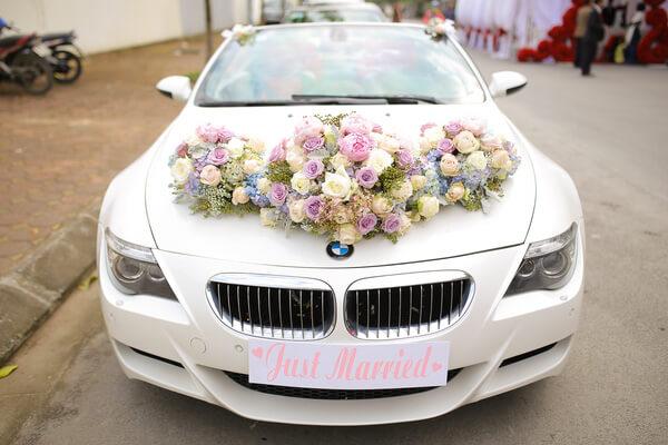 Nguyên liệu cần chuẩn bị để cắm xe hoa cô dâu