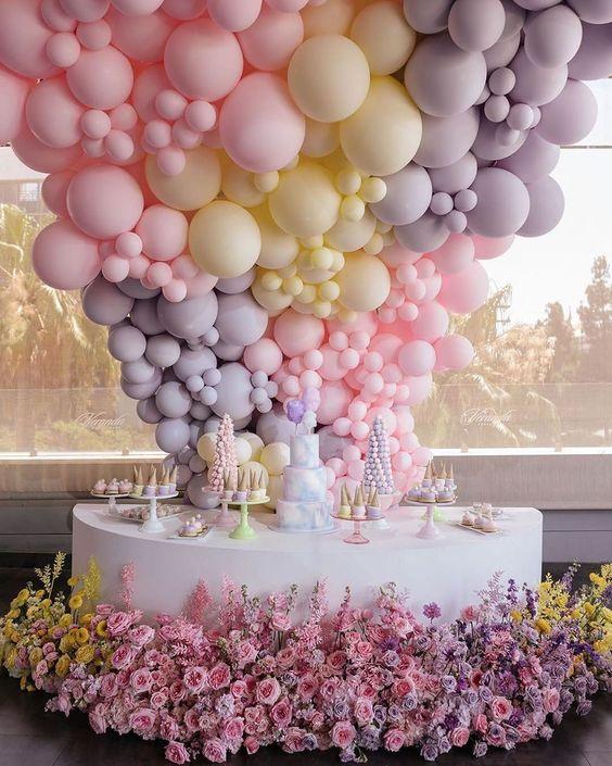 Cách cắm hoa tươi với bong bóng từ shop hoa tươi 9x