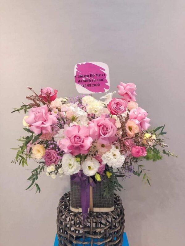 Điểm thêm lá và hoa