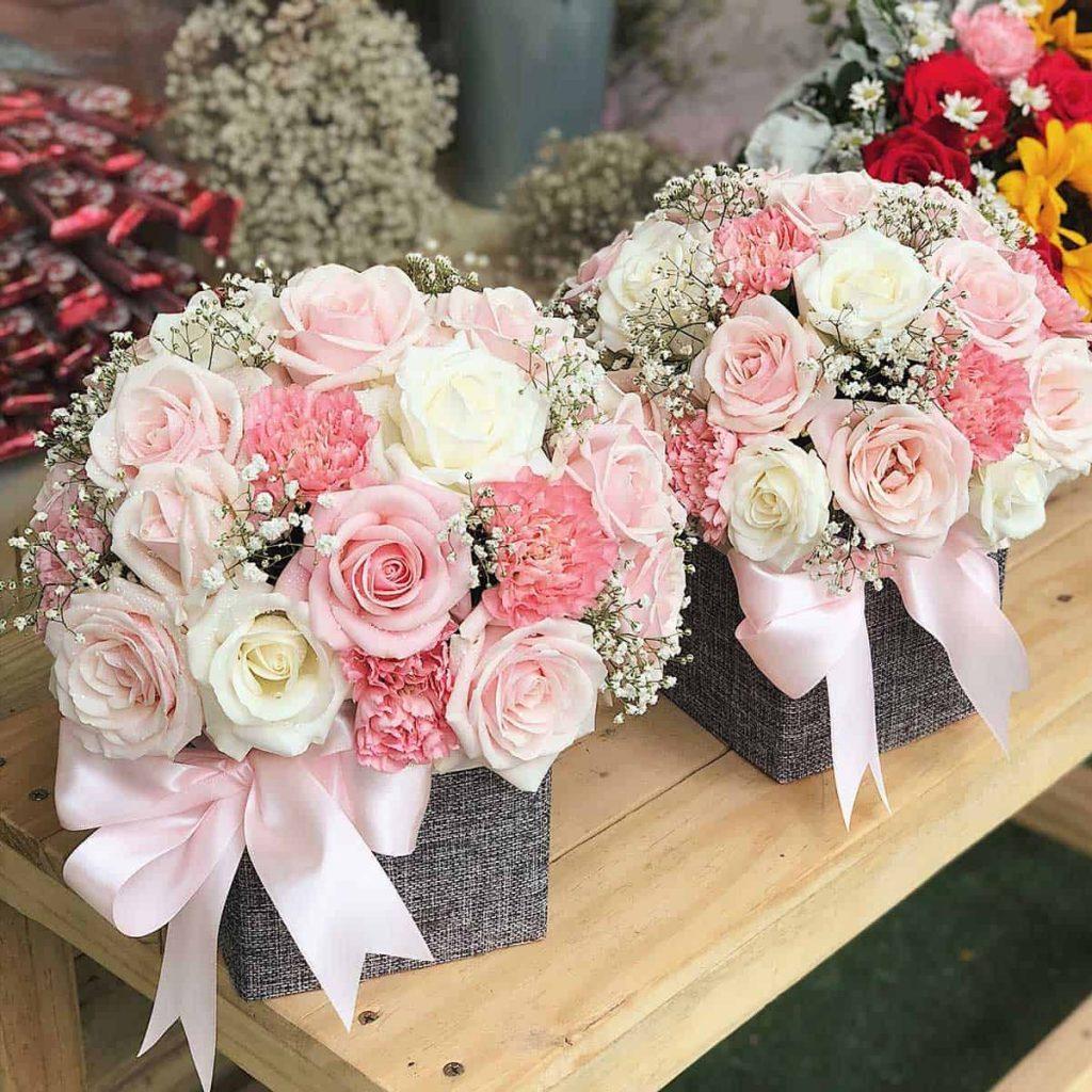 Sử dụng hoa hồng dâu kem giới hạn chiều cao