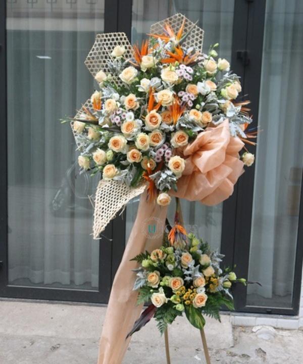 Quấn chân trang trí cho kệ hoa chúc mừng 2 tầng