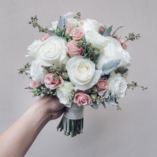Cách xử lý hoa sen đá cho bó hoa cưới tự nhiên