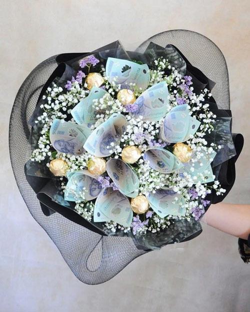 Cách gấp bông hoa để kết thành bó hoa bằng tiền tặng nàng