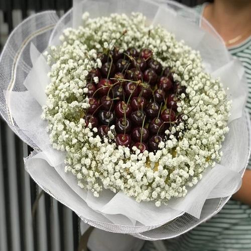 Chêm thêm lá hoặc hoa trang trí
