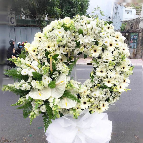 Phủ hoa hồng trắng