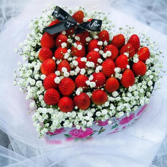 Nguyên liệu chính cho bó hoa dâu tây