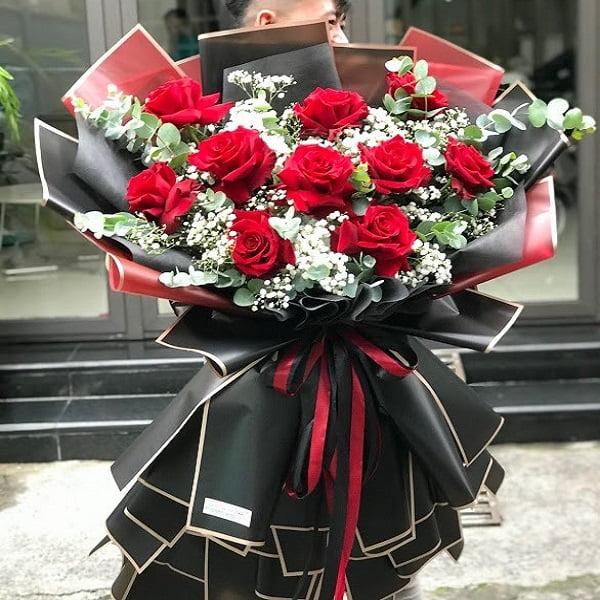Một vài nguyên liệu cho bó hoa hồng nhập