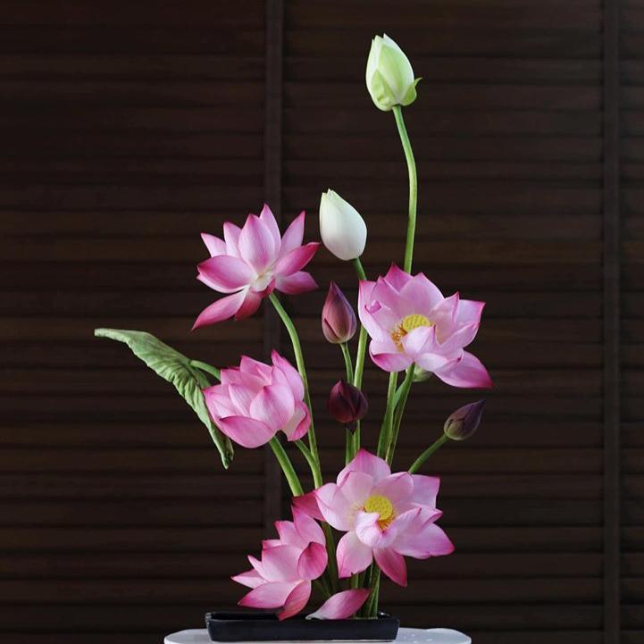 Cách cắm hoa sen trao gửi lời yêu thương đơn giản nhất