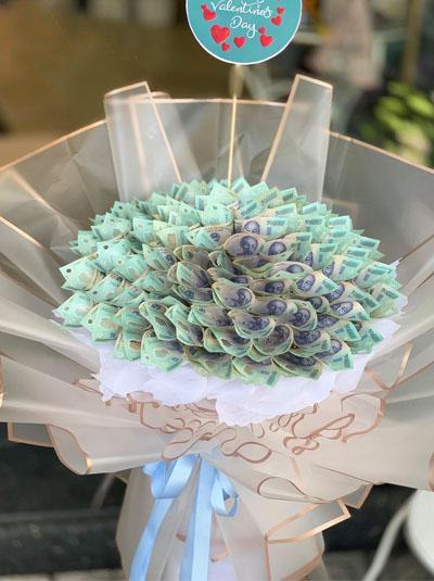 Cách làm sườn để kết bó hoa bằng tiền tặng nàng