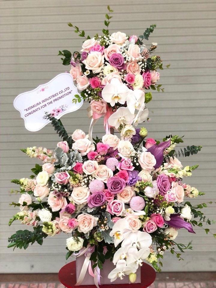 Cắm hoa 2 tầng tặng ngày khai trương siêu ý nghĩa