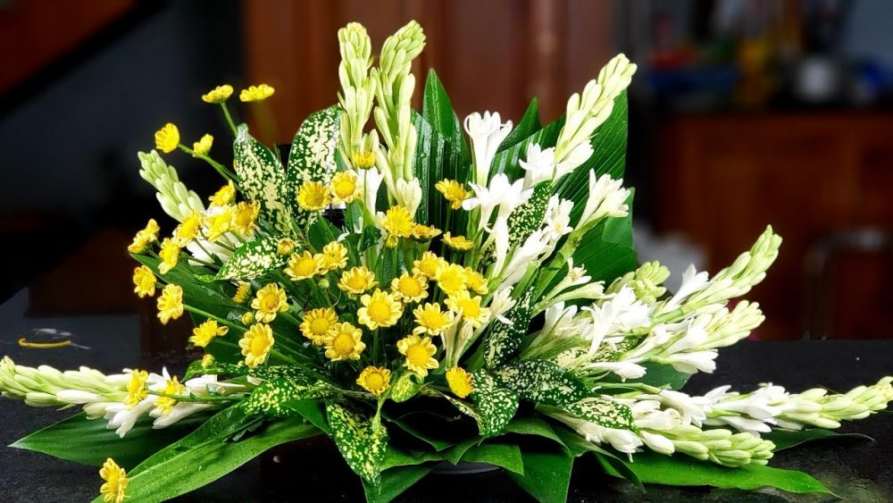 Nguyên vật liệu để cắm hoa dạng phối hợp
