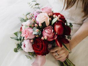 Vật liệu để bó hoa cưới theo phong cách hiện đại
