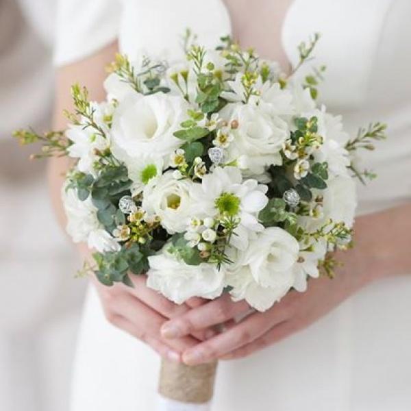 Vào các loại hoa và lá cho khung