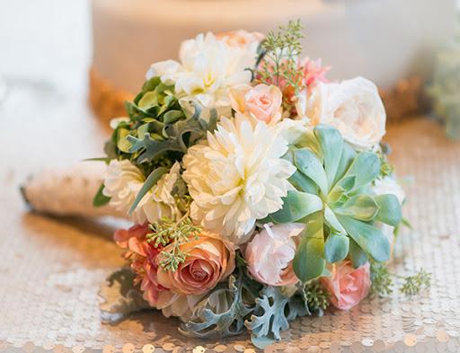 Nguyên liệu cần chuẩn bị cho bó hoa cầm tay cô dâu