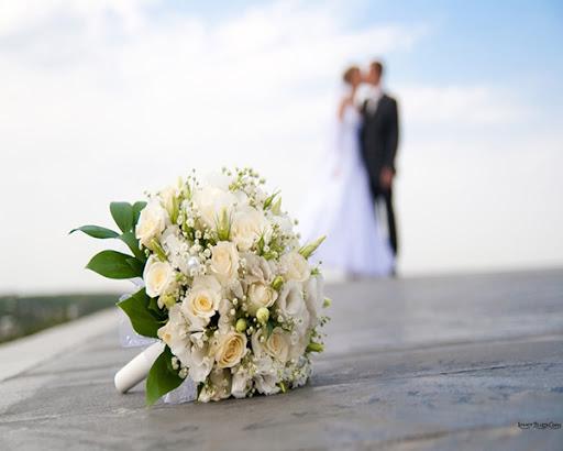 Trang trí cho bó hoa cưới