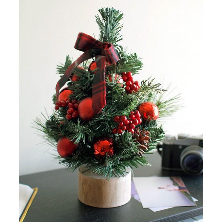 Nguyên liệu cần chuẩn bị để cắm cây thông Noel đẹp nhất